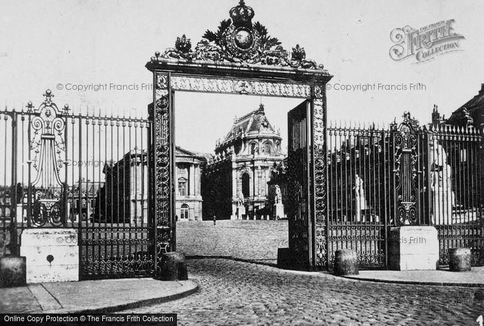 Photo of Versailles, Entrance To Château c.1920