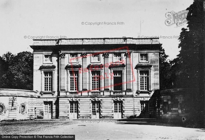 Photo of Versailles, Petit Trianon c.1920