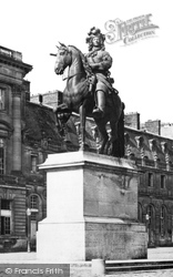 """Statue """"Louis Xiv"""" c.1871, Versailles"""