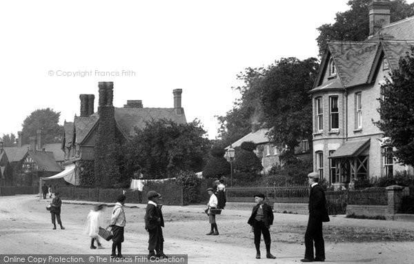 Photo of Waddesdon, Children In The High Street 1901