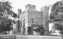 Haughton Castle c.1955, Wall
