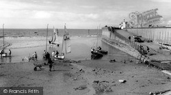 Wallasey, Dinghy Sailing From Harrison Drive Beach c.1965