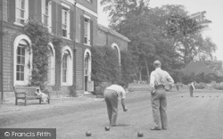 Wallingford, Bowling On The Lawn At Castle Priory c.1955