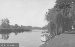 Wallingford, Castle Priory Moorings c.1960