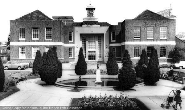 Wallington, Town Hall c1965
