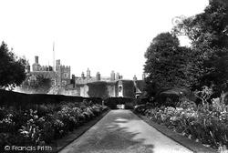 Castle Broad Walk 1906, Walmer