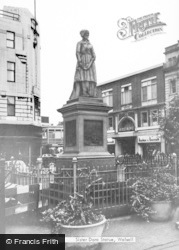 Walsall, Sister Dora Statue c.1965
