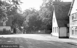 Walsham-Le-Willows, Six Bells c.1955