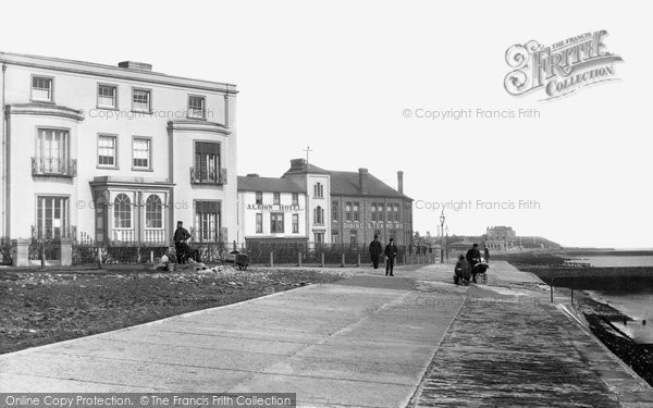 Walton-on-the-Naze © Copyright The Francis Frith Collection 2005. http://www.frithphotos.com