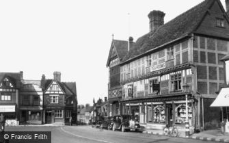 Wantage, the Square and Town Hall c1950