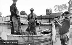 Salmon Fishing c.1960, Wareham
