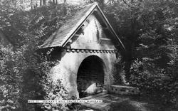 Wargrave, Rebekah's Well, Crazies Hill c.1960