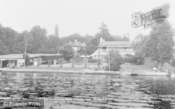 Wargrave, St George And Dragon Hotel From River c.1955