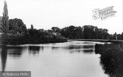 Wargrave, The River Thames 1890