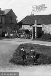 Boys In The Village 1907, Warlingham
