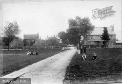 The Common 1904, Warlingham