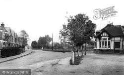 The Green 1903, Warlingham