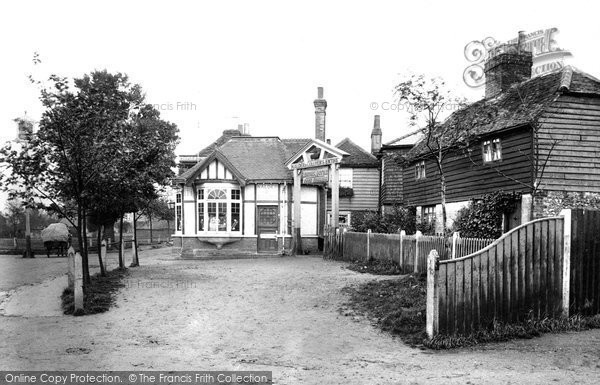 Warlingham, the Leather Bottle 1903