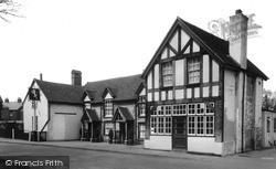 Ye Olde White Lion Inn c.1955, Warlingham