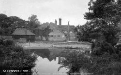 17th Century Farmhouse, Bailing Hill 1927, Warnham