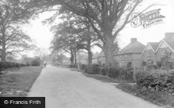 Bell Road 1935, Warnham