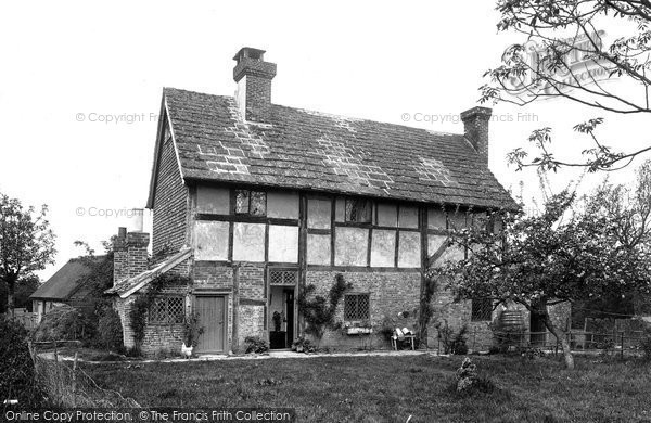 Photo of Warnham, Hill Farm 1924
