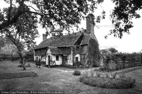 Photo of Warnham, Olde Denne Cottage 1935