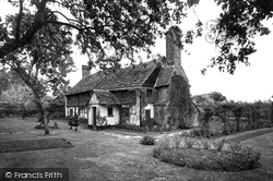 Olde Denne Cottage 1935, Warnham