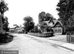 Village 1924, Warnham