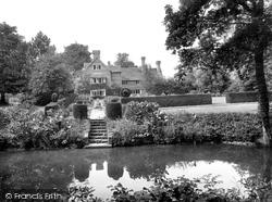 Westons Place 1927, Warnham