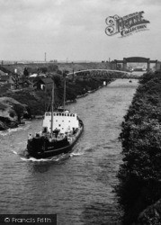 Warrington, A Boat In The Manchester Ship Canal c.1965