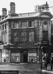 Warrington, Boots Corner At The Circus c.1950
