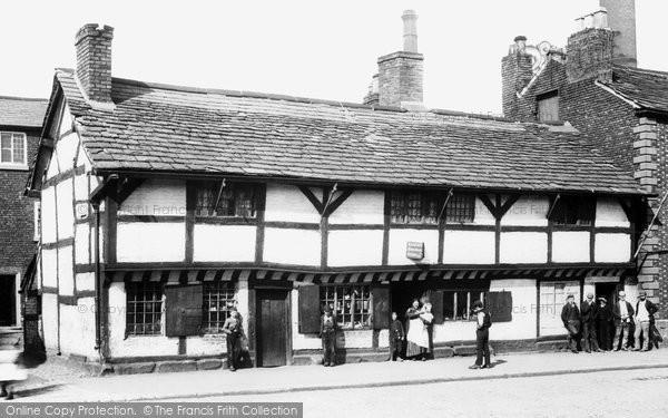 old historical nostalgic pictures of warrington in. Black Bedroom Furniture Sets. Home Design Ideas