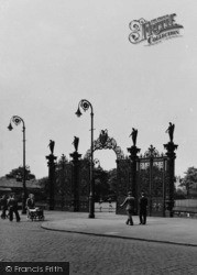 Warrington, The Park Gates c.1950