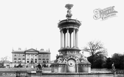 Warrington, Town Hall And Fountain 1901