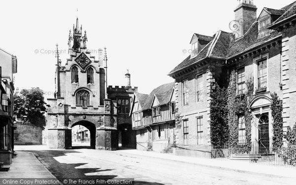 Warwick, East Gate and Landors House 1892