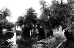 Warwick, Old Bridge 1892