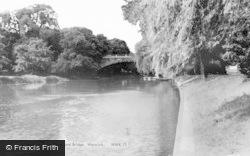 Warwick, River And Bridge c.1960