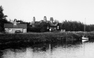 Waterbeach, Houses By The River Cam c.1955