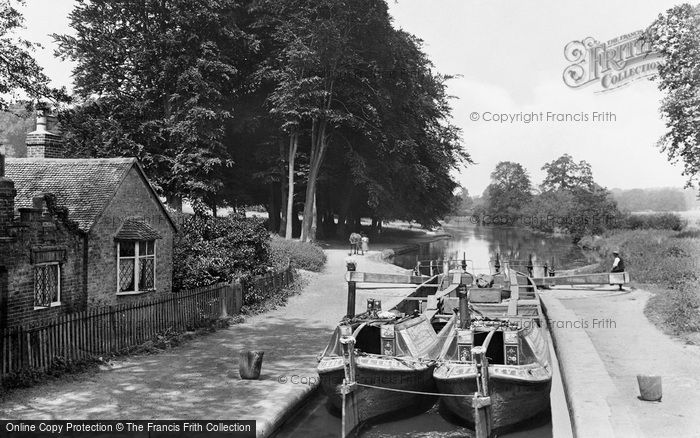 Photo of Watford, Cassiobury Park And Iron Bridge Lock 1921