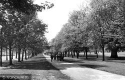Watford, Cassiobury Park c.1955