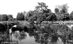 Watford, The Canal, Cassiobury Park c.1960