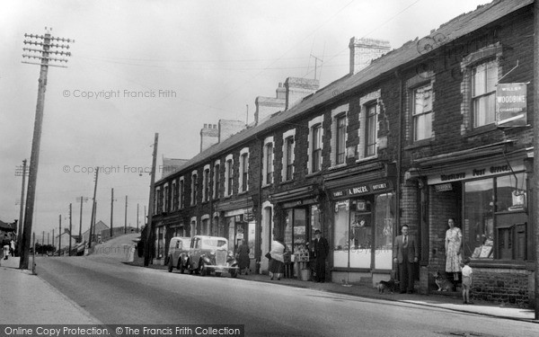 Photo of Waunlwyd, The Parade, Park Place c.1955