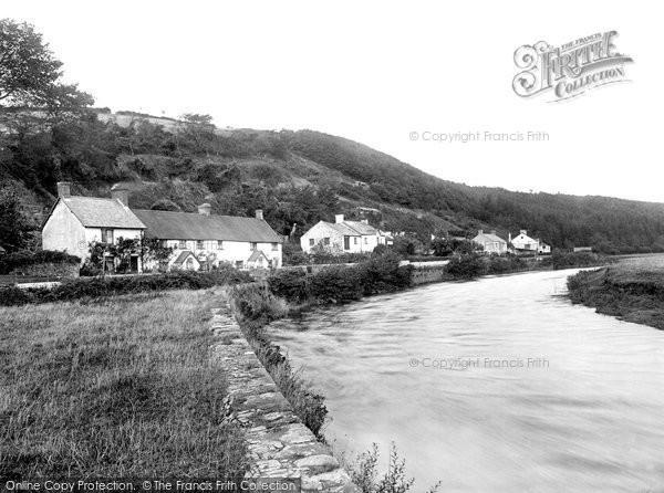 Weare Giffard, Village and River 1923