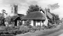 Welford On Avon, Tenpenny Cottage And St Peter's Church c.1960