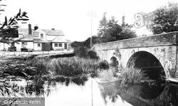 Welford On Avon, The Bridge And Four Alls 1960
