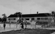 Welling, Swimming Pool, Danson Park  c.1950