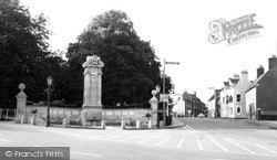 Wellingborough, Broad Green Memorial c.1965