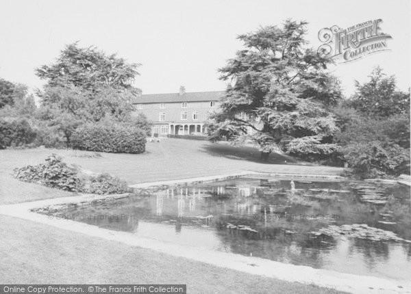 photo of wellingborough croyland gardens