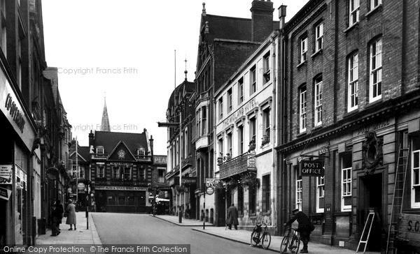 Photo of Wellingborough, Midland Road c.1955